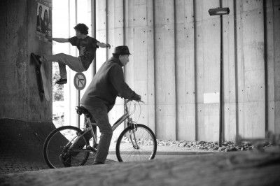 web shit happen jer paris sous le pont