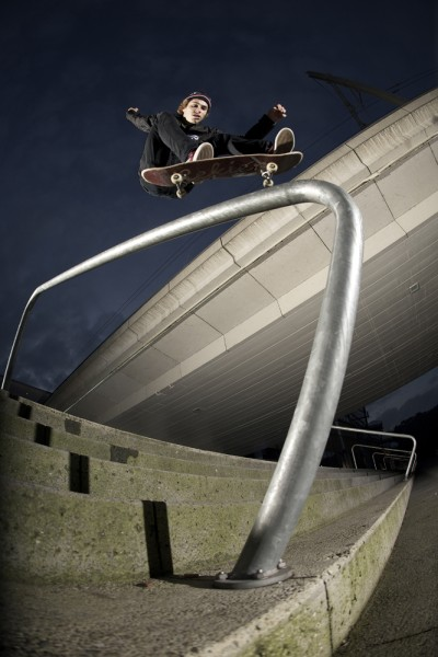 preview Alex maison flip over rail confluence
