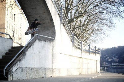 preview micka germond boneless foot plant over rail