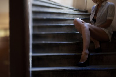 preview-corsage-ouvert-high-heels-stairs-stjean