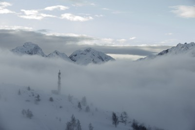 preview matin alpe d huez antenne and clouds