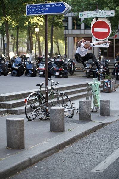 preview val ollie over trash paris