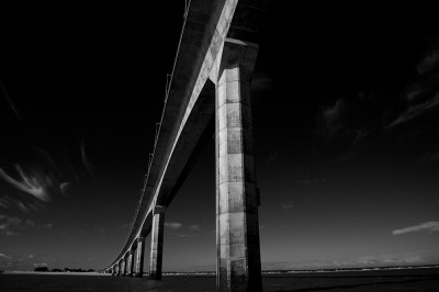 preview ile de re bridge b and w